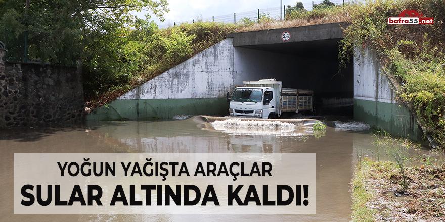 Yoğun Yağışta Araçlar Sular Altında Kaldı