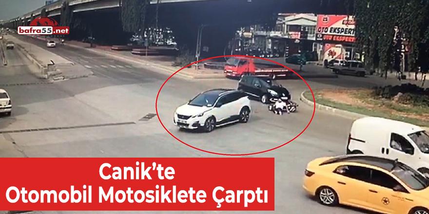 Canik'te Otomobil Motosiklete Çarptı