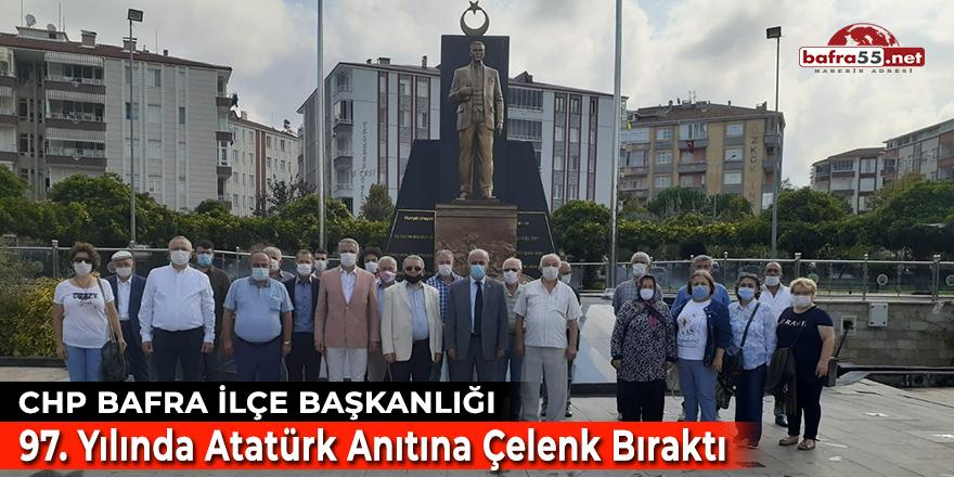 CHP Bafra İlçe Başkanlığı 97'nci Yılında Atatürk Anıtına Çelenk Bıraktı