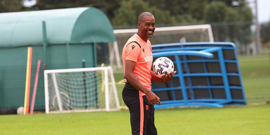 """Eddie Newton: """"2 penaltı ve 1 golümüz verilmedi"""""""