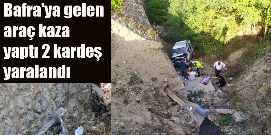 Bafra'ya gelen araç kaza yaptı 2 kardeş yaralandı