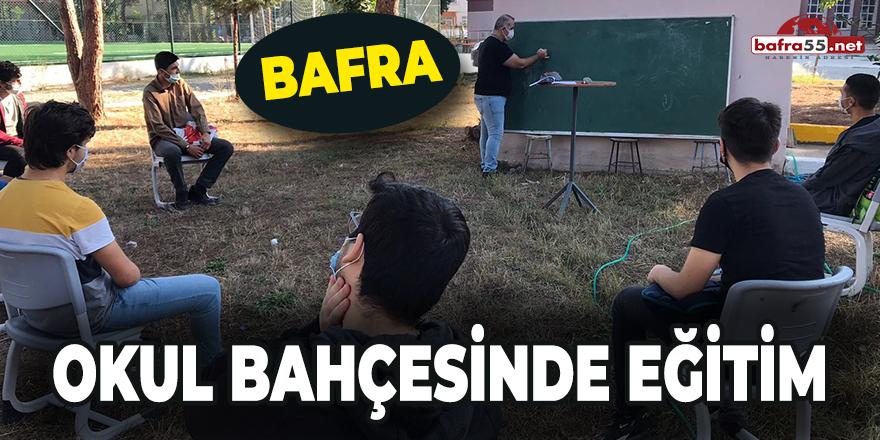 Bafra'da okul bahçesinde eğitim