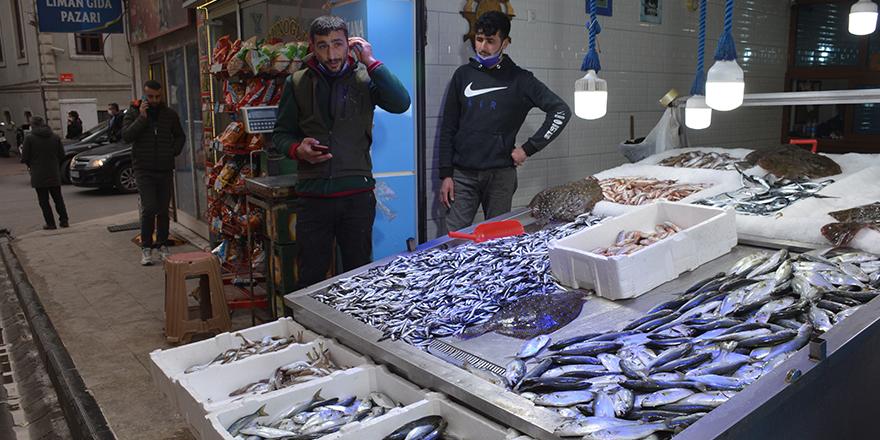 Kısıtlama sonrası balık fiyatları düştü