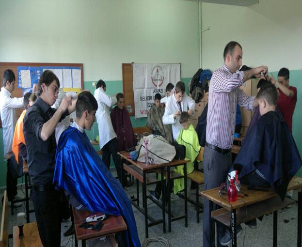 Göçkün 75 Yıl Yiboda Saç Kesimi