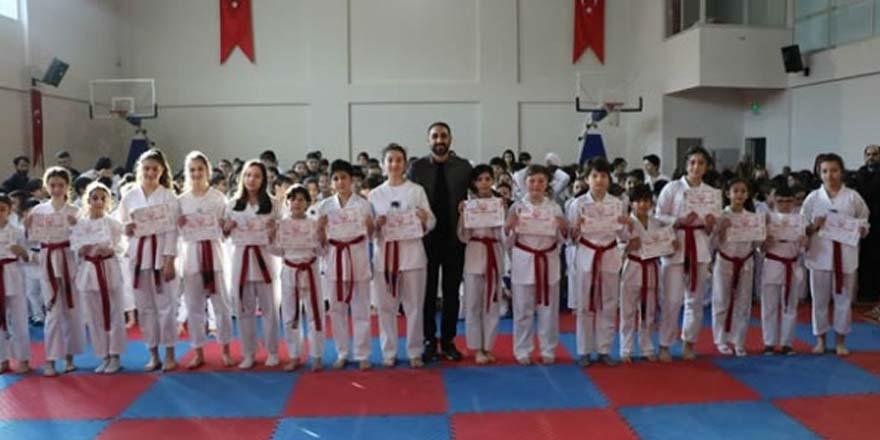 """Bafra""""da Taekwondo kuşak yükselme sınavı"""