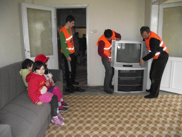 Bafra'da yoksul aileye yardım
