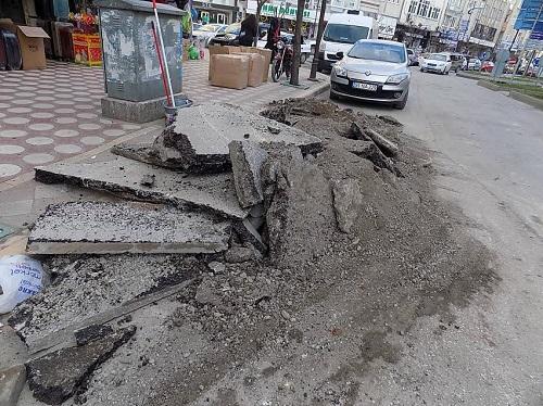 Bafra'da Bozuk Yol Sorunu