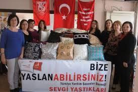 """YARDIM SEVENLERDEN """"BİZE YASLANIN"""" KAMPANYASI"""