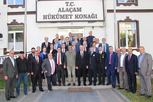 Alaçam'da Cumhuriyet Yürüyüşü Düzenlendi