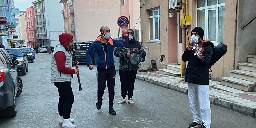 Sinop'ta Koronaya karşı müzik