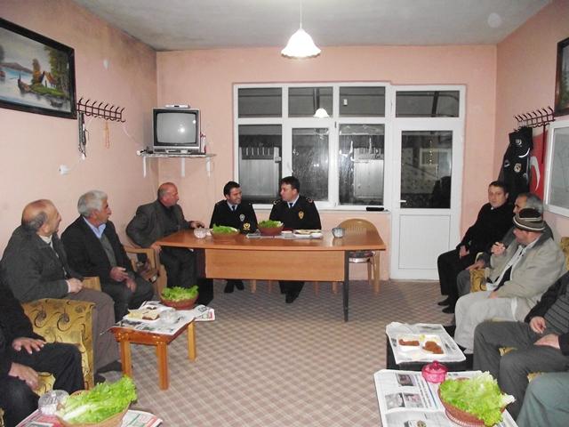 POLİS HALKIN 24 SAAT HİZMETİNDE