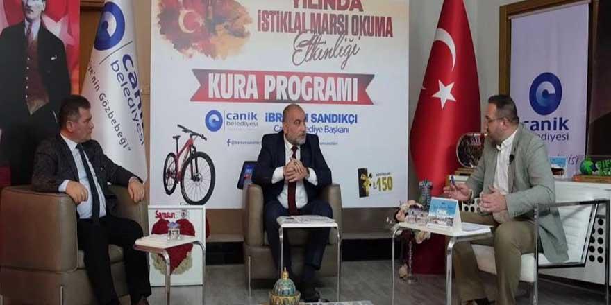Canik'in İstiklal Marşı okuma etkinliğine 900 kişi katıldı