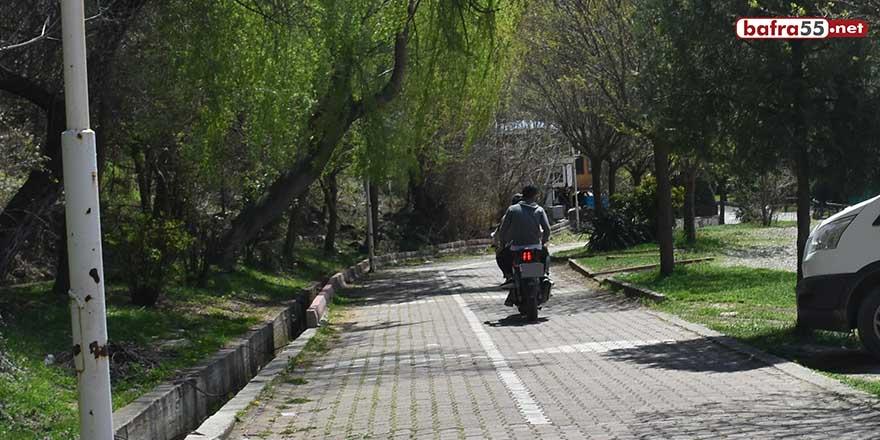 Boyabat'ta yürüyüş yolunda vatandaşlar tehlikede