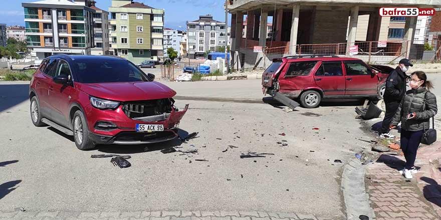 Atakum'da trafik kazası! 2 yaralı