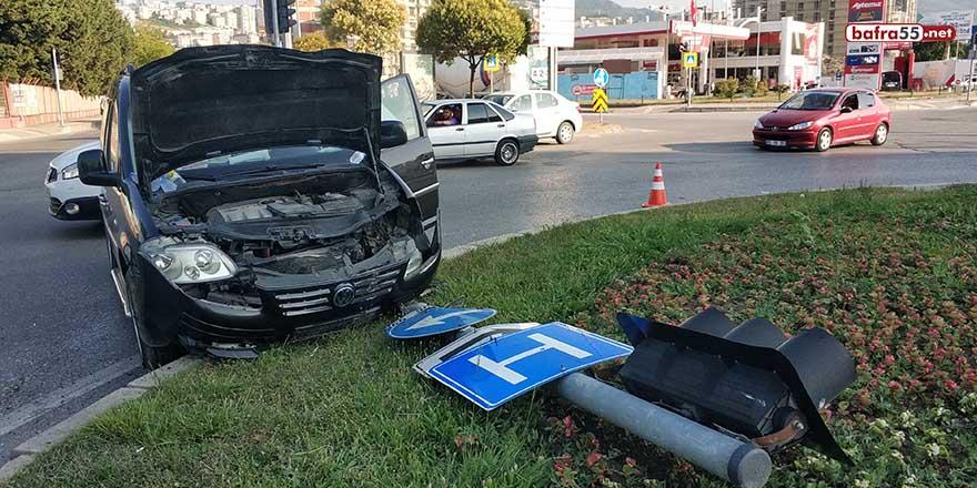 Hafif ticari araç 9 yaşındaki çocuğa çarptı!