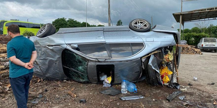 Terme'de otomobil takla attı: 1 yaralı