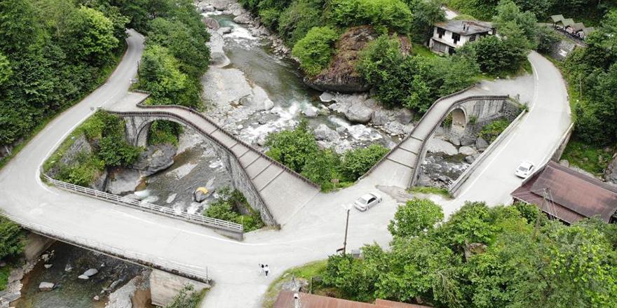 Tarihi çifte köprüler sel ve afetlere meydan okuyor