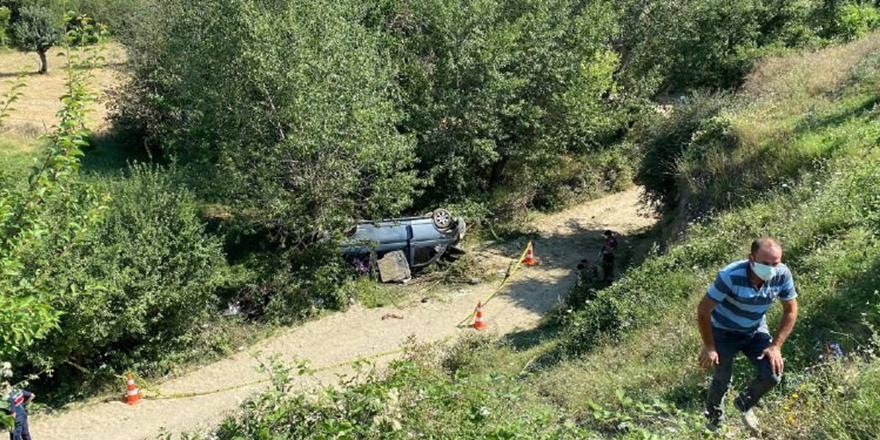 Sarımsak toplamaya giden araç devrildi 1 ölü 8 yaralı