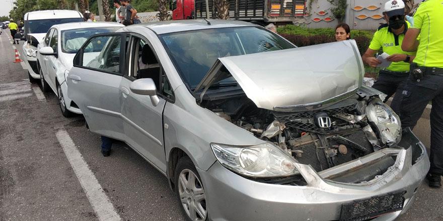 Samsun'da 4 aracın karıştığıa kazada 1 polis yaralandı