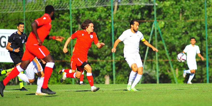 Samsunspor hazırlık maçında Bursaspor'u 2-1  yendi