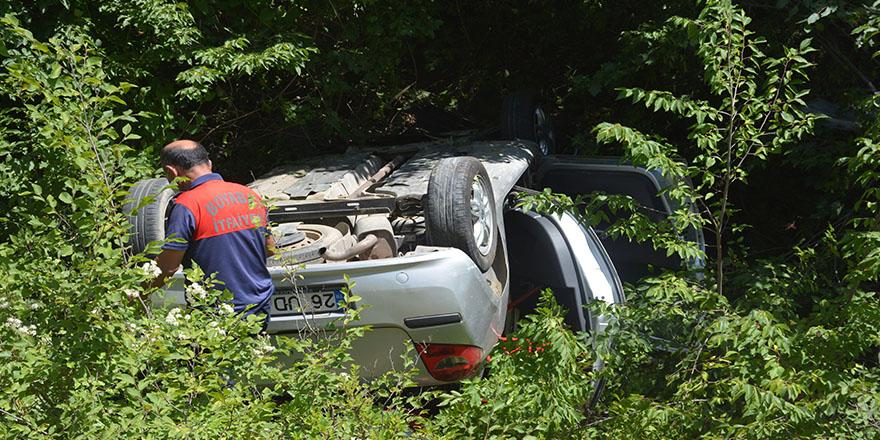 Sinop'ta otomobil uçuruma yuvarlandı