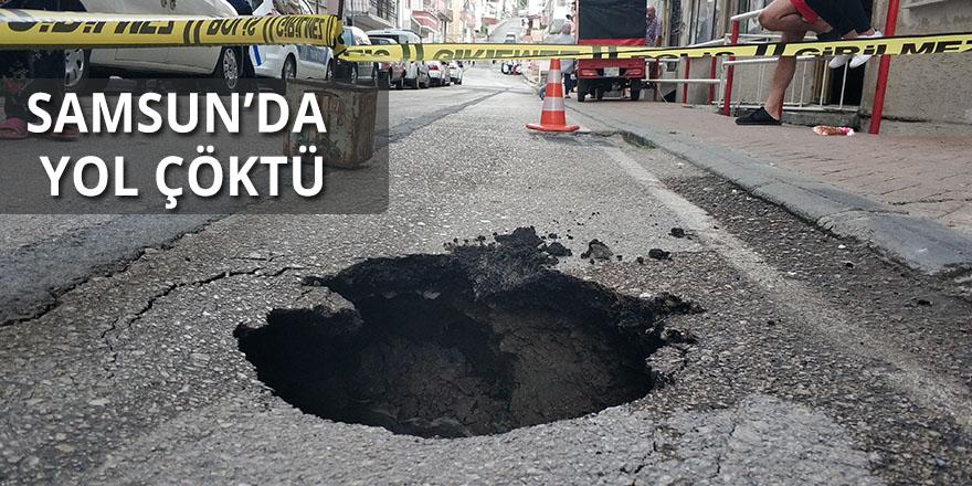 Samsun'da çöken yola aracın lastiği düştü