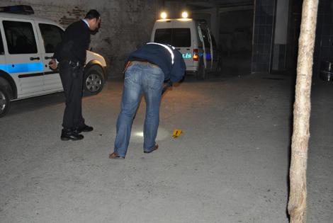 BAFRA'DA POLİS MAGANDALARI ARIYOR