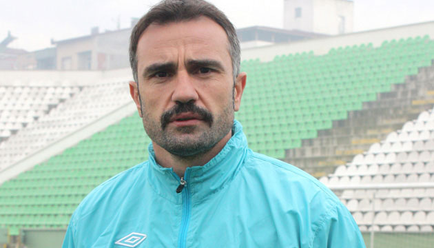 Teknik Diröktör Futbolcusuna Saldırdı