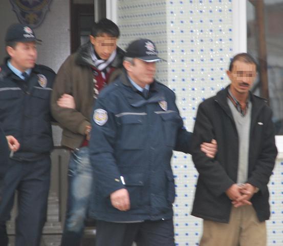 İnşaattan demir hırsızlığı zanlıları tutuklandı