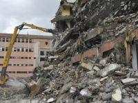 Bafra`nın ortasında yıkım