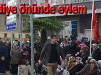 Köylülerin Belediye önünde eylemi devam ediyor