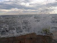 Denize giren öğrenciler boğuldu