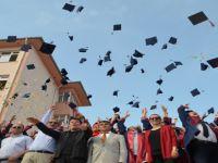Fen Lisesi 3. dönem öğrencilerini mezun etti
