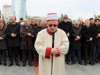Halep'te ölenler için cenaze namazı kılındı