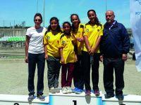 Küçük kızlar Türkiye Şampiyonasında