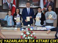 Genç yazarların ilk kitabı çıktı