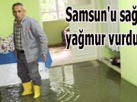 Samsun'u sağanak yağmur vurdu