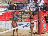 Sinop'da Plaj Voleybol Heyecanı