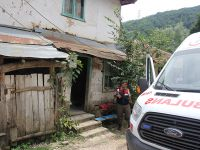 Azeri kadın evinde ölü bulundu