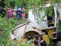 Silindirin altında kalan sürücü hayatını kaybetti