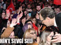 Görkemli SKM açılışında halktan sevgi gösterisi