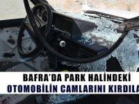 Bafra'da Park Halindeki Otomobilin Camlarını Kırdılar