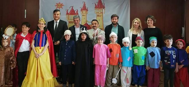 ailemle-iste-oyun-sergisi-murat-percin-okulu-3.jpg Bafradan Haber