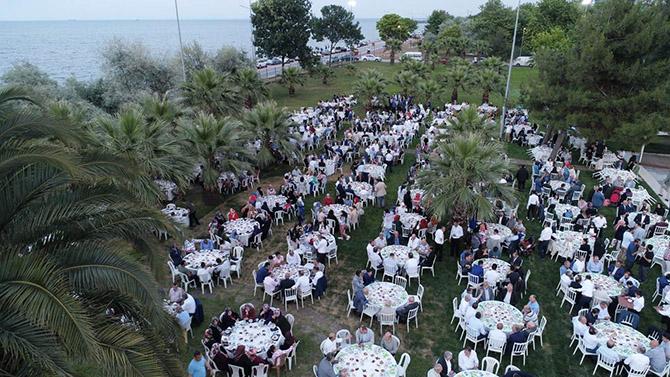 ak-parti-iftar-yemegi-6.jpeg