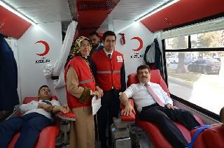 ak-parti-ve-kizilay-kan-bagisi-2.jpg