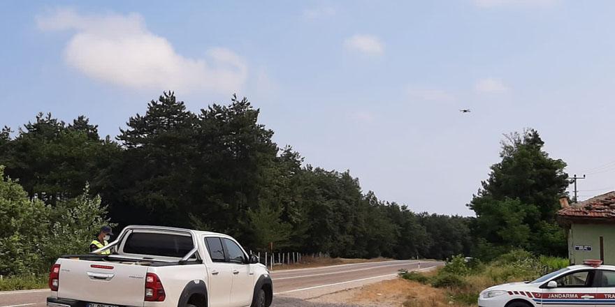 alacam-jandarmasindan-drone-ile-yol-uygulamasi-4.jpg