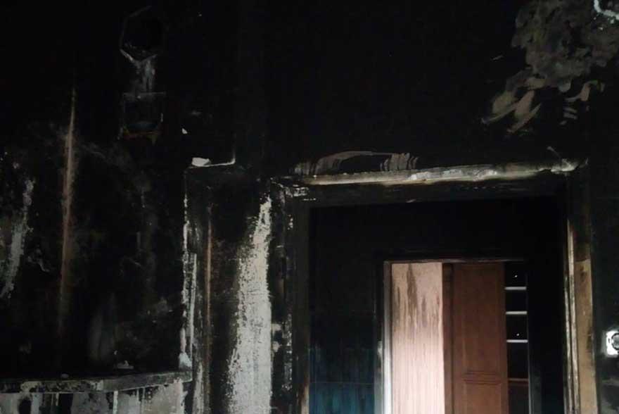 alacamda-evi-yanan-aileye-kaymakamdan-yardim-2.jpg