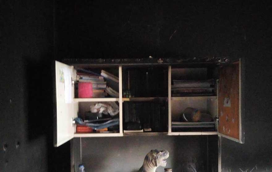 alacamda-evi-yanan-aileye-kaymakamdan-yardim-4.jpg
