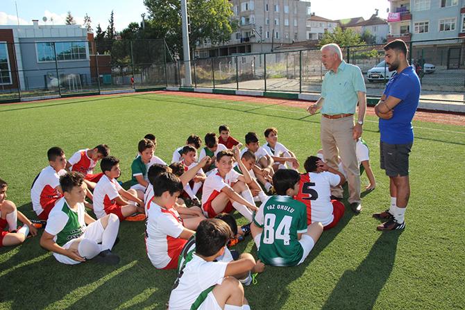 alacamda-yaz-futbol-okullari-1.jpg