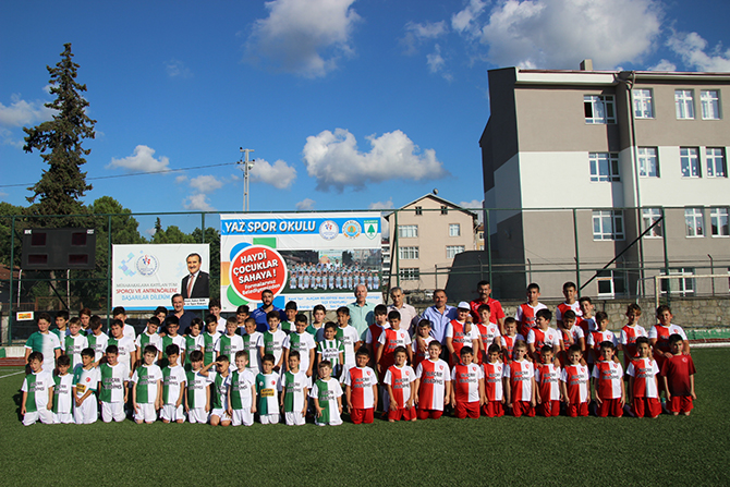 alacamda-yaz-futbol-okullari-2.jpg